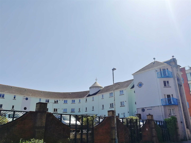Camona Drive, Marina, Swansea, SA1 1YJ